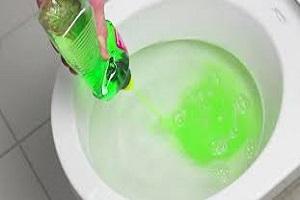 Débouchage sanitaires avec du produit vaisselle