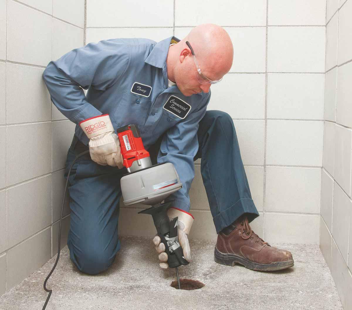Rincer les toilettes plus d'une fois pour vider la cuvette des toilettes, Débouchage House