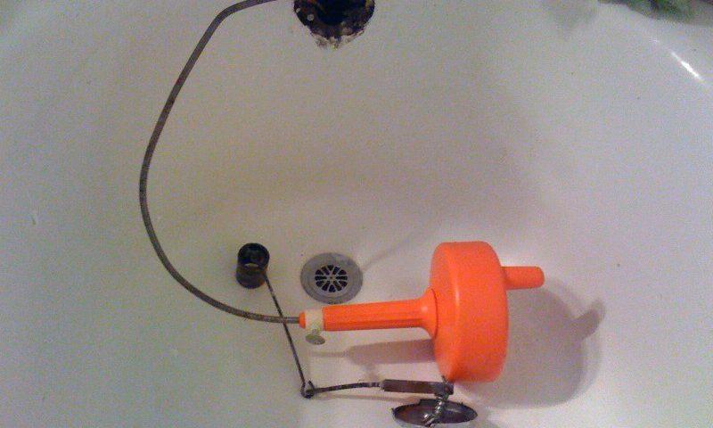 Vous avez une canalisation bouchée ?  Nettoyez-la vous-même et évitez les frais de plombier d'urgence, Débouchage House