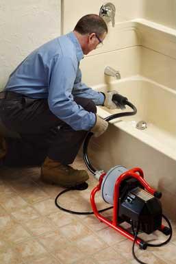 Nettoyage de canalisation bouchée: pourquoi embaucher un professionnel?, Débouchage House
